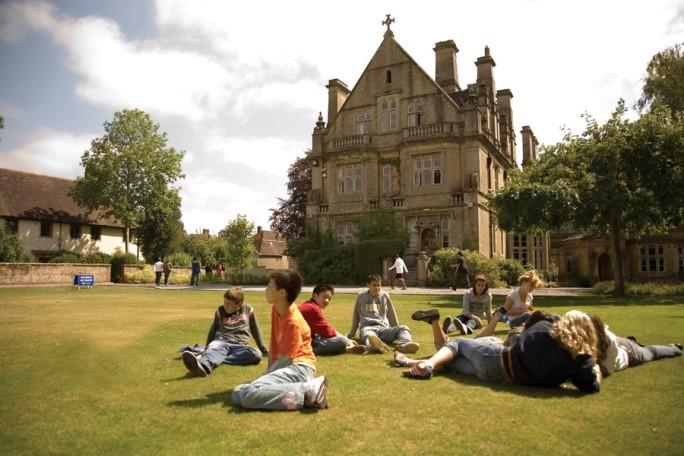 Английские университеты: преимущества обучения
