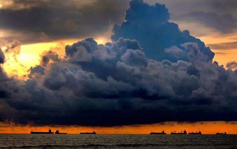 A cloud - загадки на английском