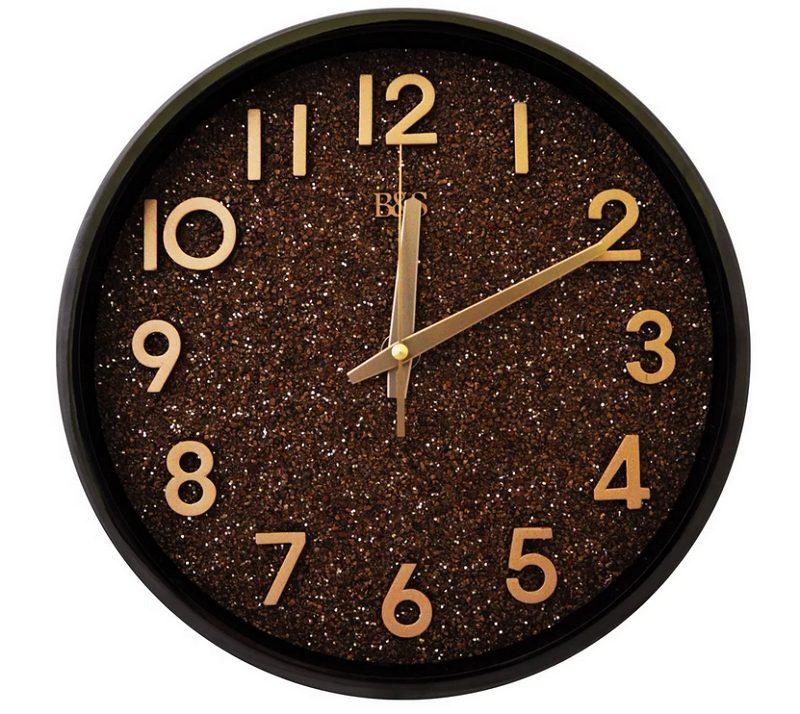 a clock - часы